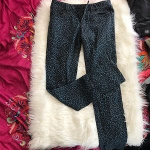 silence + noise blue leopard print jeans 28